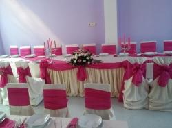 Deco Nunta Resita:Deco Nunta, Agentie organizari evenimente, nunti, petreceri, decoratiuni, aranjamente florale, foto-video, inchirieri limuzine, Resita