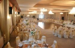 Restaurant Palace Caransebes:Restaurant Palace, Organizari evenimente, nunti, banchete, botezuri, petreceri, sala sport, teren fotbal, Caransebes