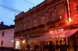 Casa cu Flori:Restaurant Casa cu Flori, Mese festive, organizari evenimente, botezuri, nunti, terasa, Timisoara