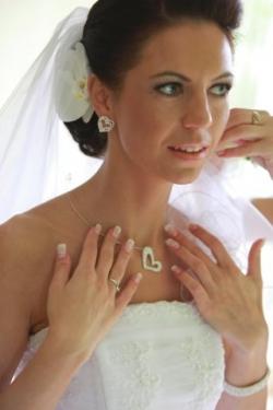 Salon Clivia Timisoara:Salon Clivia, Make-up profesional, freze nunti, cosmetica, manichiura, pedichiura